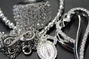 Produktbild von Silberschmuck bis zu 90% Rabatt ab 0,01€