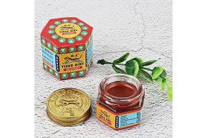 Produktbild von Tiger Balm Red Extra starke Kräuter Rub Muskeln Headache Pain Relief-Salbe
