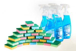Produktbild von Hai Glas- und Kunststoffreiniger 5 x 750 ml + Reinigungsschwämme 28-teilig