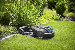 Bild von Gardena 471676 Mähroboter R40Li Akkubetriebener Rasenmäher-Roboter Ideal für Gärten, 18 V, schwarz, 400 qm – NUR HEUTE 50% Rabatt