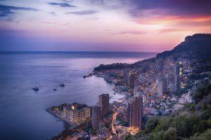 Produktbild von Zwischen Mittelmeer & Rosengarten in Monaco – Auszeit an der Côte d'Azur – inkl. Frühstück oder Halbpension, spätem Check-out & Extras  = 149€