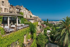 Bild von Romantiktrip an die Côte d'Azur – Château-Urlaub an der Côte d'Azur – inkl. Frühstück, Transfer zum Hotel & Extras = 115€