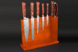 """Bild von Izumi Ichiago 8-tlg Kochmesserset """"Professional Chef Knives"""" aus eisgehärtetem Stahl mit Rosenholzgriffen & Holzblock"""